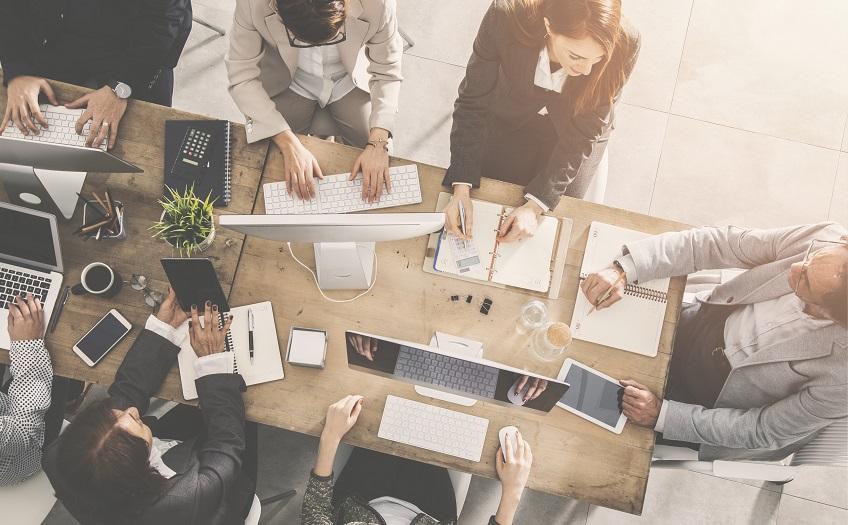 Nowe przepisy ZUS dla małych firm: jak poradzić sobie z biurokracją?