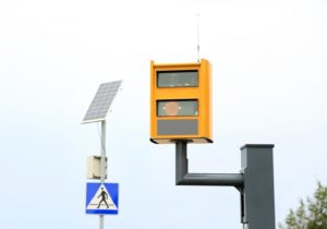 Sposób na fotoradary? – skuteczna kontrola prędkości z aplikacją Flotman
